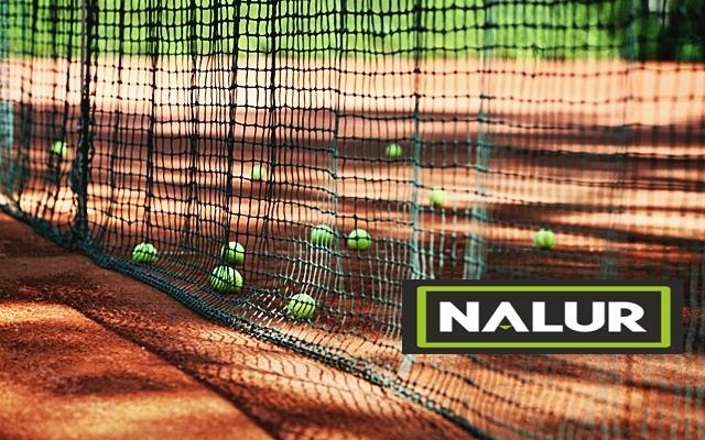 Siatki do zabezpieczenia kortu do gry w tenisa