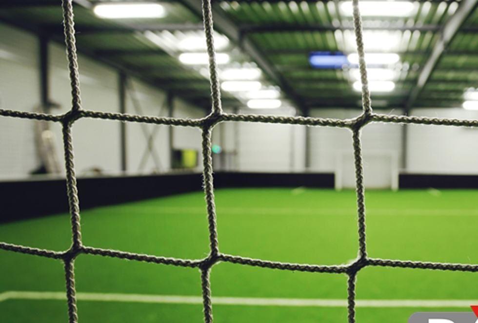 Siatki na piłkochwyty na hale i sale gimnastyczne